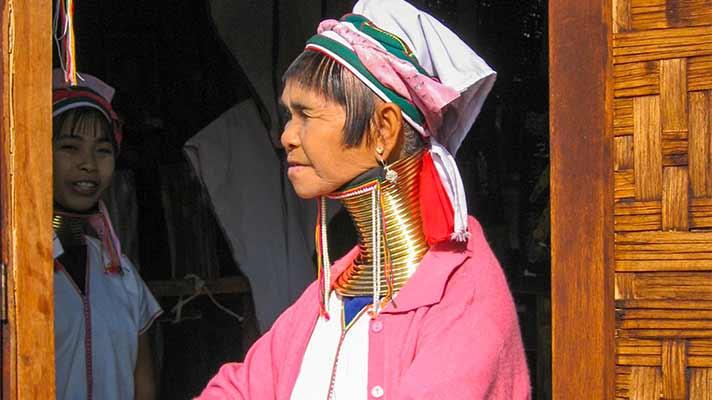 ビルマの首長の女性
