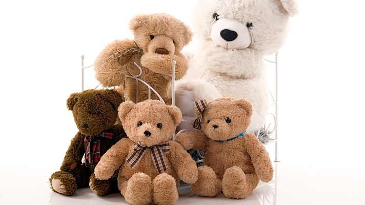 クマのぬいぐるみ家族